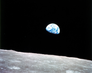 1968_Earthrise_297755main_GPN-2001-000009_full