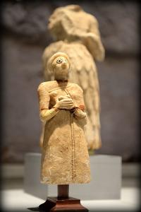 Sumerian_Worshiper