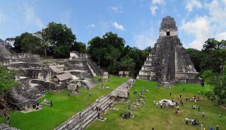 1280px-Tikal_mayan_ruins_2009
