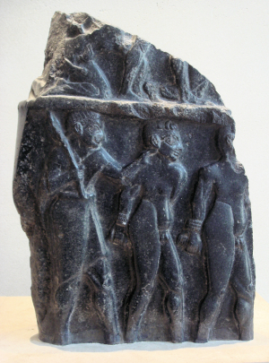 Prisoners_on_the_victory_stele_of_an_Akkadian_king_circa_2300_BCE_Louvre_Museum_Sb_3